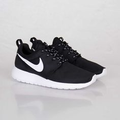 roshe run black and white - Google Search