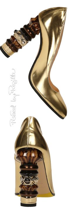 Gold heels Shoe Boots, Shoes Heels, Gold Heels, Gold Fashion, Luxury Shoes, Beautiful Shoes, Designer Shoes, Me Too Shoes, Fashion Accessories