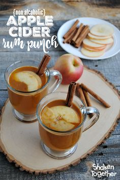 Adults and children alike will love to wrap their hands around a mug of this warm and comforting non-alcoholic Apple Cider Rum Punch! Love the thinly sliced apples, a hint of sweet from @SPLENDA and a cinnamon stick - perfect for any holiday get together! #SplendaSweeties #SweetSwaps #winterdrink {ad}