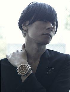 [Champagne]川上洋平2013/6/20 TUTAYA「VA」7月号 Wood Watch, Music, Leather, Fashion, Wooden Clock, Musica, Moda, Musik, Fashion Styles