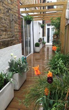 Small Courtyard Gardens, Small Backyard Gardens, Terrace Garden, Garden Seating, Side Yard Landscaping, Backyard Patio Designs, Garden Design Plans, Modern Garden Design, Townhouse Garden