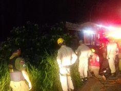 CONEXÃO BOMBEIRO : Corpos das vítimas do carro que caiu no rio são ve...
