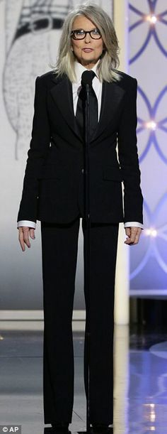 Diane Keaton Photos - In this handout photo provided by NBCUniversal, Presenter Diane Keaton speaks onstage during the Annual Golden Globe Award at The Beverly Hilton Hotel on January 2014 in Beverly Hills, California. - Diane Keaton Photos - 590 of 1083 Diane Keaton Suit, Dianne Keaton, Diane Keaton Young, Beautiful Old Woman, Beautiful People, Beautiful Pictures, Estilo Tomboy, Look Formal, Business Chic