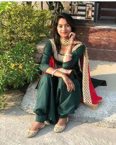 Patiala Dress, Patiala Salwar Suits, Punjabi Dress, Punjabi Suits, Beautiful Muslim Women, Beautiful Girl Image, Chloe Grace Moretz Feet, Punjabi Models, Punjabi Girls