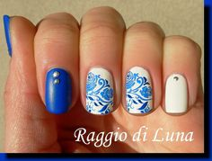 Born Pretty Store review: Stamping plate BP-L001 - Blue rose on white