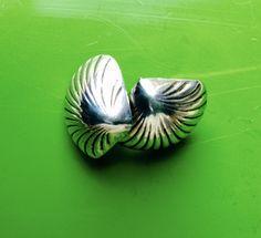 Sterling Silver, Shell Stud Earrings - very vintage!  www.depop.com/isobeljane6  #shellearrings #shelljewellery #80svintagefashion #90svintagefashion #discoballs #dancehalls #retrofashion #funkyshells #silvershells #clamshellearrings #80sstyle #80spopculture #80spowerdressing # Shell Earrings, Stud Earrings, 80s Fashion, Vintage Fashion, Power Dressing, Funky Jewelry, Shells, Colour, Sterling Silver