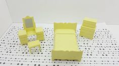 Marx Bedroom bed Vanity Stool High boy Traditional Dollhouse Toy Furniture hard plastic Pale Yellow #collectors #miniatures