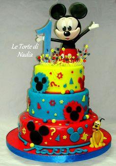 "Torta ""Topolino"" Info: 389 9355816 anche WhatsApp #torta #tortaalcioccolato #torte #tortatopolino #topolino #mickeymouse #cake #cakedesign #torteartistiche #letortedinadia #cisternadilatina"