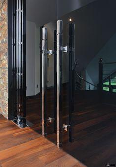 Massive AZURE door handle MADE IN GERMANY! Manufactured by MWE. Design by Mario Wille. www.mwe.de/en/door-systems/door-handles/door-pulls/flat-profile-pulls/door-pull-azure