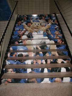 This could be Big Blue from Old Old Dominion University! Stair graphics!