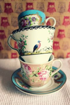 Assortment of pretty vintage teacups