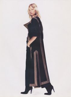 Karolina Kurkova shot by Nathaniel Goldberg for VOGUE Paris August 2002 Emmanuelle Alt, Vogue Paris, Vogue Magazine, Sophisticated Style, Editorial Fashion, Duster Coat, Toms, Stylists, Street Style