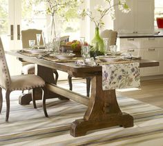 Lovely dining room table.  I would probably put this in my breakfast nook or casual eating area.