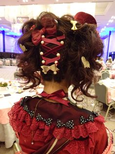 Oh my, that is serious. Rococo Fashion, Lolita Fashion, Kawaii Fashion, Victorian Fashion, Victorian Gothic, Emo Fashion, Gothic Fashion, Lolita Hair, Lolita Goth