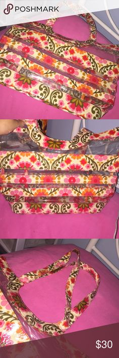Bag This Vera Bradley pattern is discontinued. Cute bag to complete a spring look or perfect for a summer day at the beach! Only been used once & is in great condition. Vera Bradley Bags Shoulder Bags