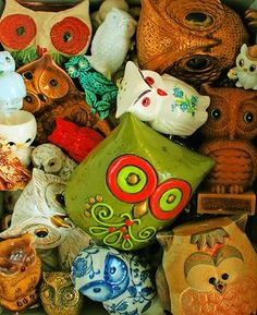 Am so guna do some pottery owls when i get to Canada!