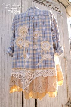 Crochet Shirt Farm Girl Fancies Upcycled Flannel Shirt Jacket Tunic by Sweet Magnolias Farm . Vintage Lace Flowers Now in our Etsy Shop - Cut Up Shirts, Tie Dye Shirts, Old Shirts, T Shirt Yarn, Flannel Shirts, Flannels, T-shirt Au Crochet, Crochet Shirt, Upcycled Clothing