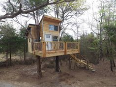 Make your weekend escape at Ra's Eufaula Tree-sort, embedded within the private grounds of a rustic forest. At this Oklahoma treehouse, relax in a hammock or take a swing on the outdoor rope for some family fun in nature.