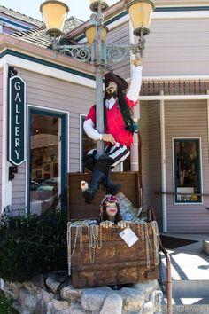 The Wonderful World of Scarecrows (Fourth Edition) Diy Halloween Scarecrow, Scarecrow Ideas, Scary Scarecrow, Halloween 2017, Daily Planner Pages, Planner Tips, Scarecrow Festival, Country Bears, Summer Fair