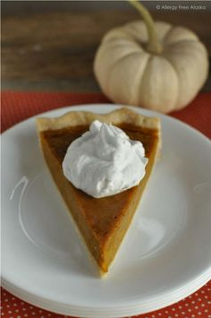 Gluten & Dairy Free Maple Pumpkin Pie #refinedsugarfree