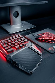 New❗️GXT 888 ASSA: Single Handed Keyboard ⌨️ More space for your mouse while gaming 💪 Best Gaming Setup, Gaming Room Setup, Desk Setup, Gaming Accessories, Room Accessories, Dope Outfits For Guys, Lightning Photography, Best Pc Games, Hand Games