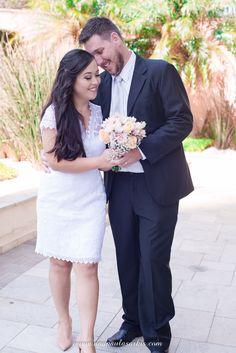 Ensaio dos Noivos após a Cerimônia Civil Fez, Wedding Dresses, Fashion, Civil Ceremony, Perfect Wedding, Courthouse Wedding, Grooms, Doll, Weddings