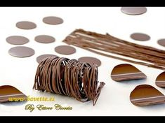 How to temper chocolate and make decorations How To Temper Chocolate, Chocolate Work, Modeling Chocolate, How To Make Chocolate, Chocolate Lovers, Chocolate Cake, Candy Decorations, Dessert Decoration, Chocolate Decorations