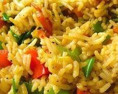 Arroz Temperado - Um arroz refogado com temperos; temperado com cebolinha e extrato de tomate; cozido no caldo de carne.