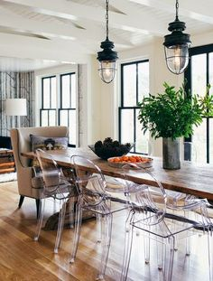 bluegrass + boxwood : Ghost Chairs