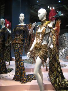 Scuola di Moda e designer moda per una  formazione professionale e creativa - Madam Collection  moda e tendenze
