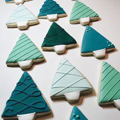 Iced Sugar Cookies, Christmas Sugar Cookies, Christmas Sweets, Holiday Cookies, Holiday Baking, Christmas Baking, Biscuit Decoration, Cookie Decorating, Holiday Crafts