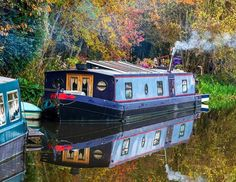 Shanty Boat, Canal Boat, Narrowboat, Minimalist Lifestyle, Britain, Houseboats, Camping, House Styles, Trailers