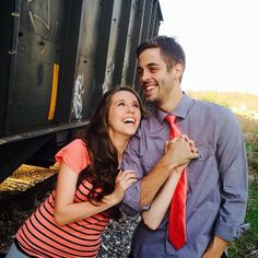 Jill Duggar and Derick Dillard engagement photos! Love how they are together!