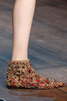 5.19.15 shoes - is a fun pair of shoes, they look like slippers. love all the little details on it. Dolce & Gabbana Fall 2014
