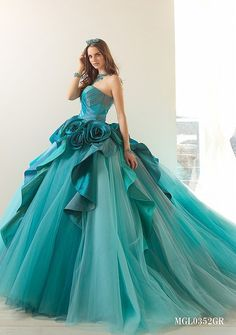 Interesting best quinceanera dresses why not look here Ball Dresses, Ball Gowns, Prom Dresses, Teal Quinceanera Dresses, Beautiful Gowns, Beautiful Outfits, Bridal Gowns, Wedding Gowns, Wedding Cakes