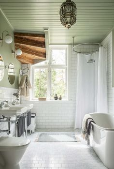 Mission House Turned Into Modern Scandinavian Home (Gravity Home) Bathroom Colors, White Bathroom, Bathroom Interior, Home Interior, Modern Bathroom, Light Bathroom, Bad Inspiration, Bathroom Inspiration, Mission House