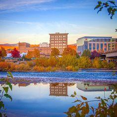 Fall day in downtown #Missoula. #MissoulaMoment #OnlyInMissoula #VisitMissoula #Montana #MontanaMoment #GlacierMT