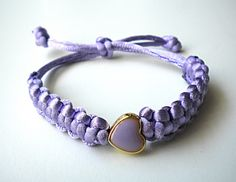 Handmade Jewelry Rg: Macrame bracelet with purple heart