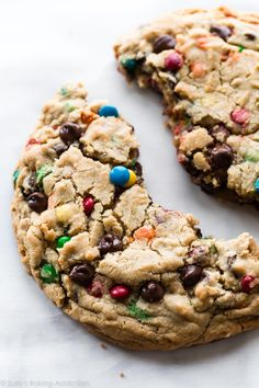 XXL peanut butter oatmeal cookie with chocolate chips and M&Ms Peanut Butter Oatmeal, Peanut Butter Cookies, Chocolate Peanut Butter, Big Chocolate, Chocolate Chips, Chocolate Chip Cookies, M M Cookies, Cookies Et Biscuits, Yummy Treats