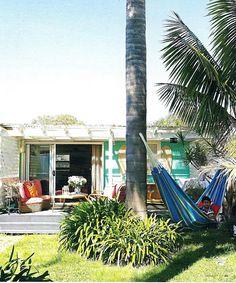 Another Australian beach shack Beach Cottage Style, Beach Cottage Decor, Cottage Ideas, Cottage Chic, Surf Shack, Beach Shack, Australian Beach, Beach Bungalows, Chula