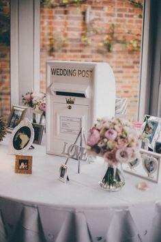 vintage mailbox wedding card box / http://www.himisspuff.com/mailbox-wedding-decor-ideas/7/