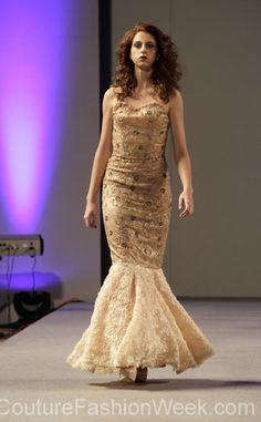 Andres Aquino Semana de Alta Moda Primavera 2013 en New York #SemanaDeModa #Moda #AltaModa #AndresAquino #Estilo #Diseno #Modelos #Coral #Vestido #Sirena #Brillo