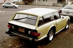 Triumph Tr 6 shooting brake, Just pinning it because its weirdly cool! Triumph Auto, Triumph Tr3, Triumph Spitfire, Shooting Break, Station Wagon Cars, Automobile, Colani, Tr 4, British Sports Cars