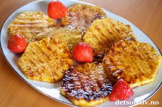 Recipes from Portugal: Pineapple roasted in the oven with cinnamon: A delicious dessert that helps you lose weight! Oven Roast, Acai Bowl, Delicious Desserts, Cinnamon, Pineapple, French Toast, Grilling, Lose Weight, Healthy Recipes