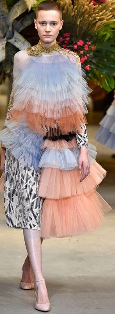 Viktor & Rolf Couture Spring-2017