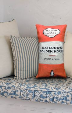 Penguin Books Cushion. This is sooo awesome - could do this with any fav book.