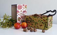 Caja de pino macizo decorada con decoupage. wooden box decoupage. www.elpiojito.es