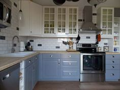 Schmidt Construction prides itself in its IKEA kitchen remodels. We take the old, crowded kitchen and make it beautiful and usable by creating space with IKEA cabinets.