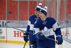 Auston Matthews and Mitch Marner, Toronto Maple Leafs Hot Hockey Players, Nhl Players, Hockey Girls, Hockey Mom, Toronto Maple Leafs Wallpaper, William Nylander, Mitch Marner, Maple Leafs Hockey, Hockey Pictures