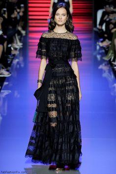 Monika Jac Jagacak for Elie Saab spring/summer 2016 collection - Paris fashion week. #eliesaab
